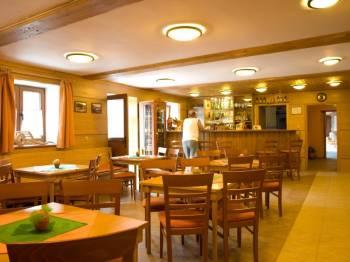 Restaurace Horského hotelu Sněženka