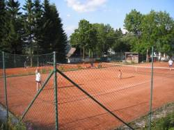 Tenisové kurty Ramzová