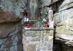 Lurdská jeskyně - skalní útvar