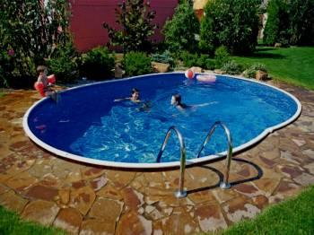 Od 4. 7. 2012 venkovní bazén.